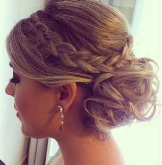 Pretty Prom Hairstyle