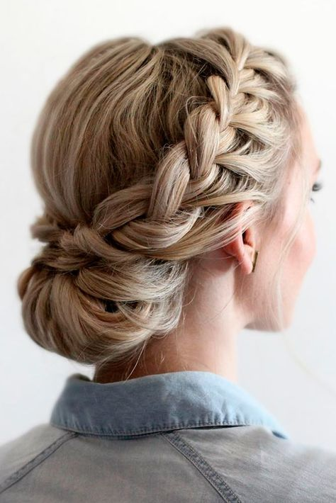 Amazing Graduation Hairstyles For Your Special Day