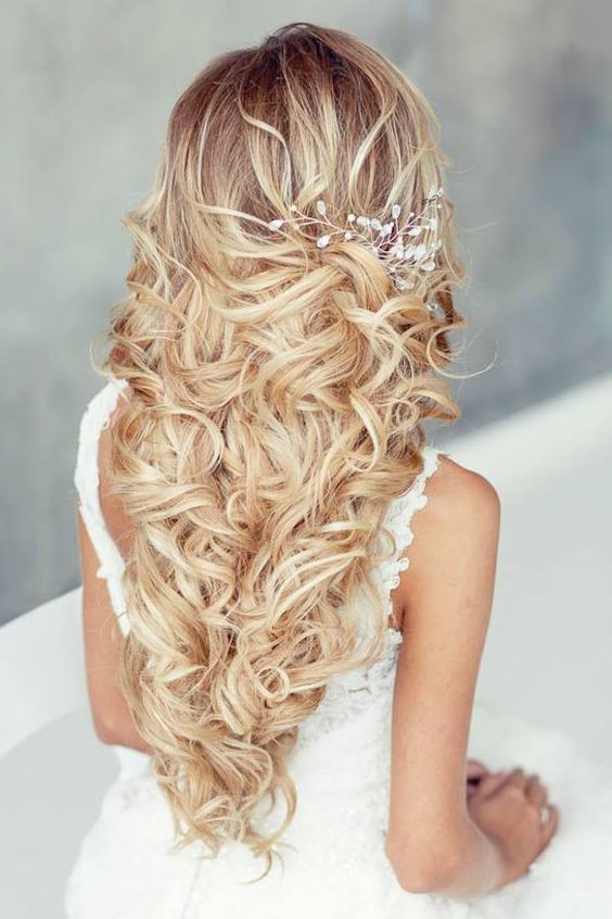 Beautiful Long Hair Styles That Are Great For Weddings