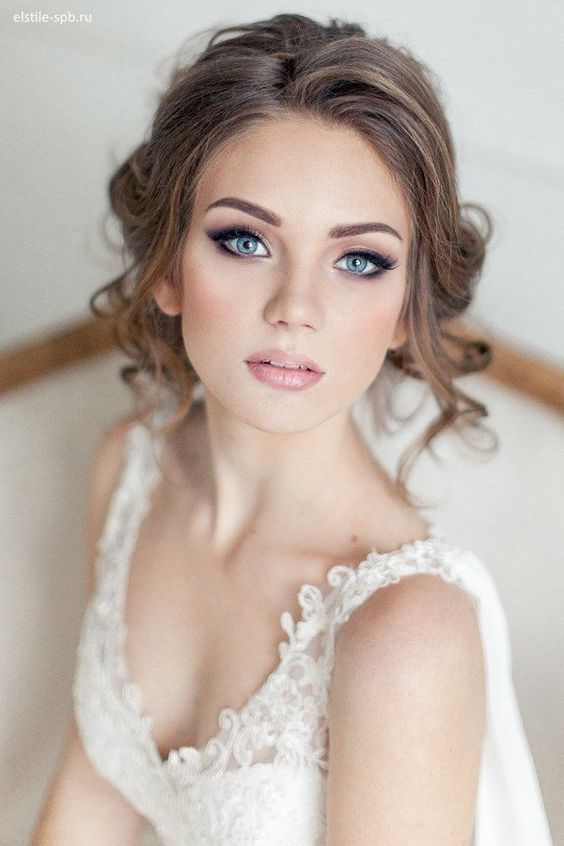 Gorgeous Wedding Makeup & Hairstyle Ideas