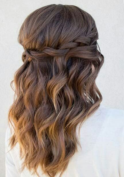 MEDIUM LENGTH HAIRSTYLES 2018
