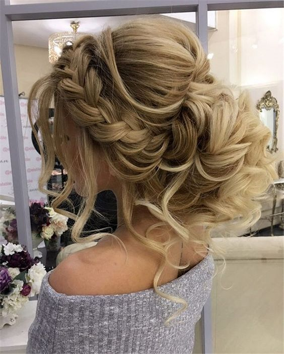 Miss These Wedding Updos for Long Hair