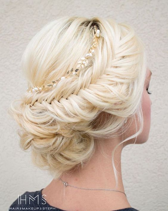 Most-Pinned Beautiful Wedding Updos
