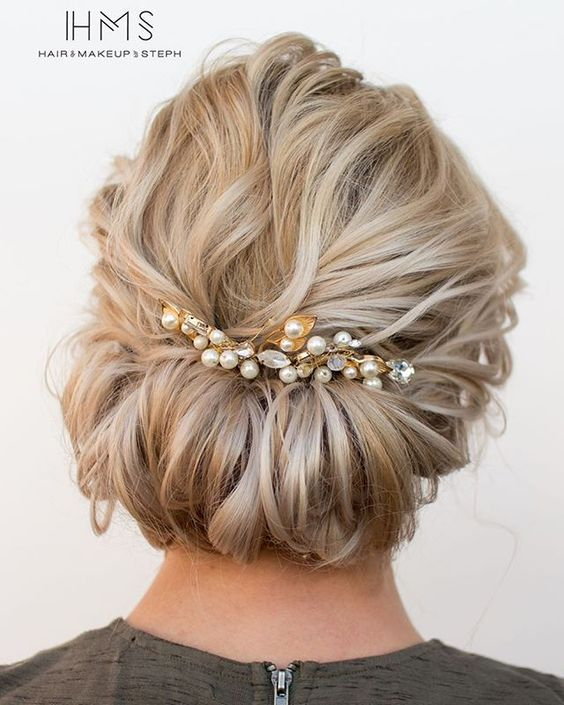 Short hair updo