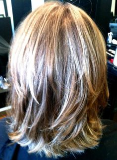 Stylish Wavy Bob Hairstyles for Medium