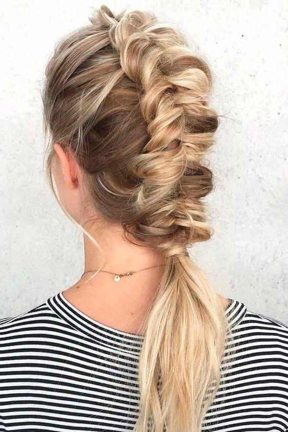great medium length hairstyle