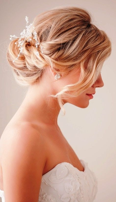 Chignon Buns You Can Try Right Now