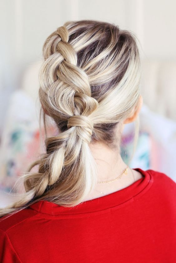 Christmas Hairstyles to Wear in 2019