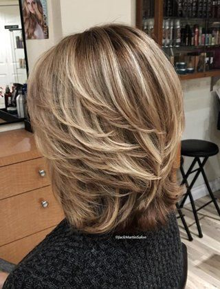 Classy and Simple Short Hairstyles for Women over 50 2