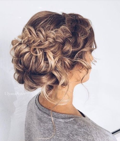 Elegant Hairstyles for Prom 2019