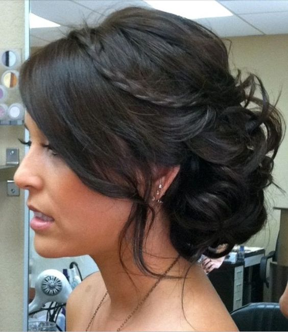 Classic Hairstyles For Bridesmaids
