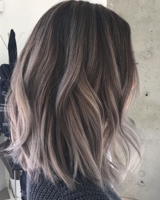 Straight Medium Length Hairstyles For Women To Look
