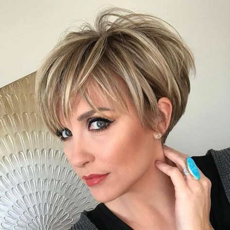 Highly Stylish Short Hairstyle for Women 2019