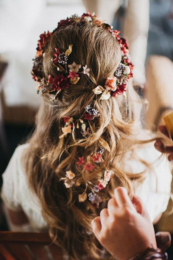 Gorgeous Blooming Wedding Hair Bouquets