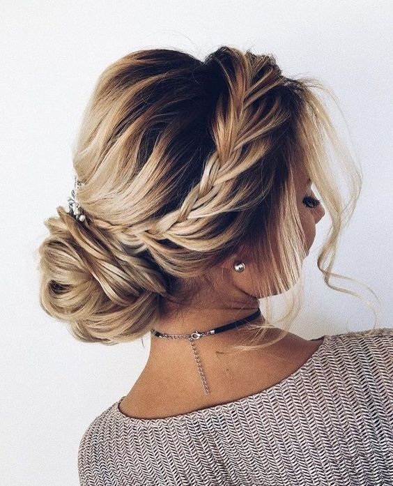 Best Hair Updo Ideas for Medium Length Hair