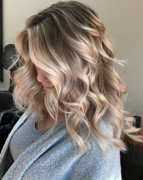 Blonde Medium Hairstyles for Women To Consider This Year