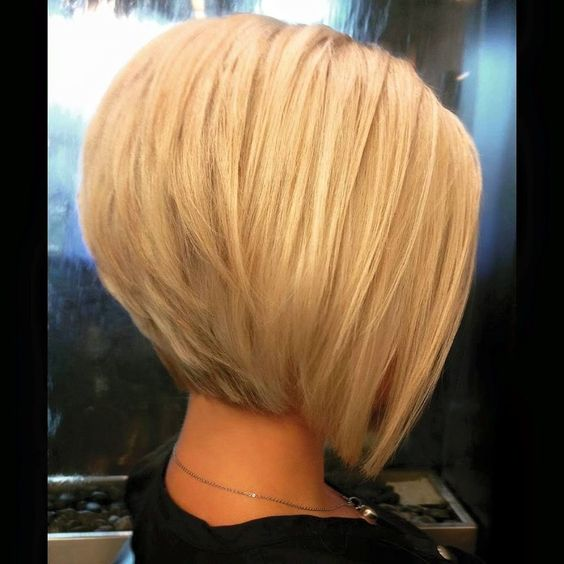 Charming Graduate Bob Haircut Ideas