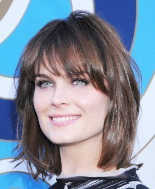Chic Medium Hairstyles For Winter Time