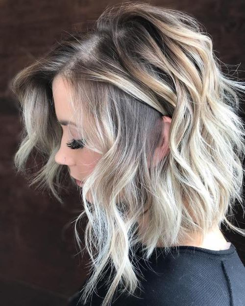 Flattering Medium Hairstyles for Women