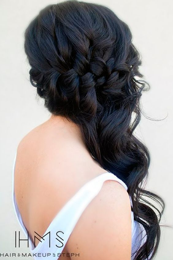 Chic Hairstyles for Prom