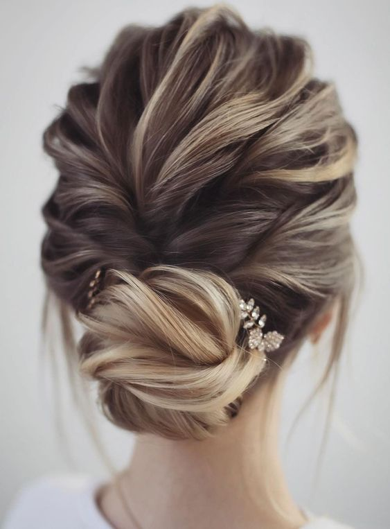 Gorgeous & Super-Chic Hairstyle