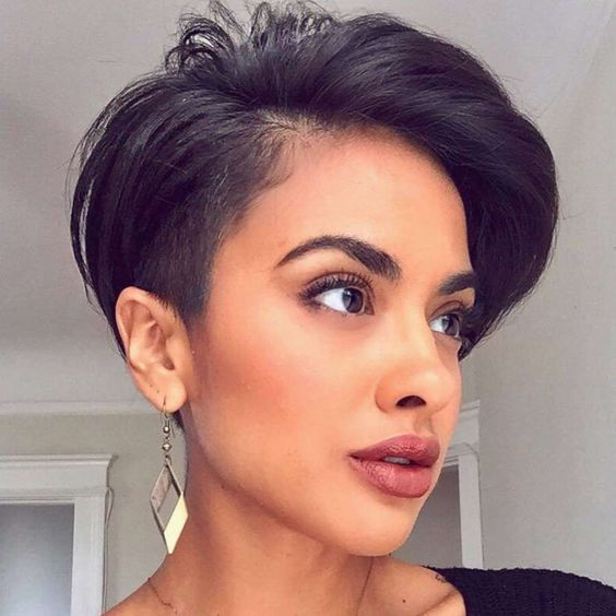 Short Layered Hairstyles For Fine Hair 2019 Hairstyle Zone X