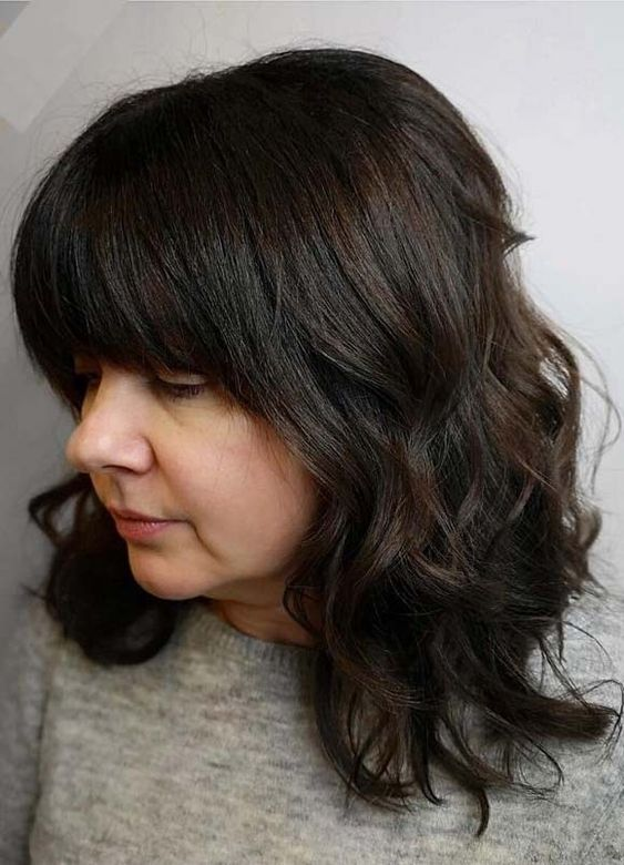 Awesome Medium Length Wavy Haircuts