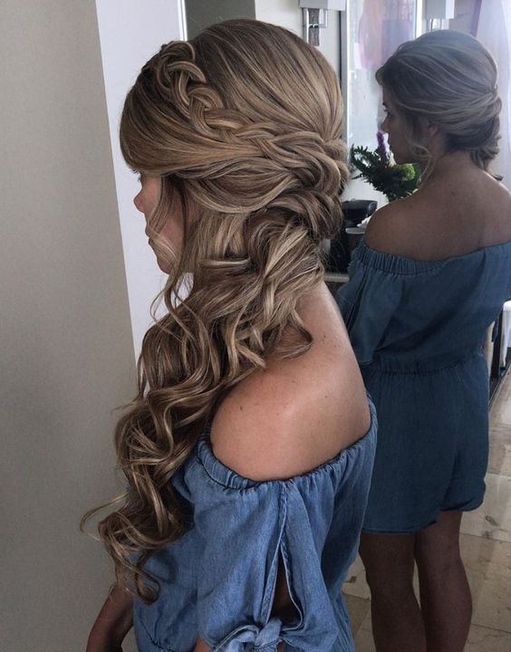 Blonde bridal side hairstyle