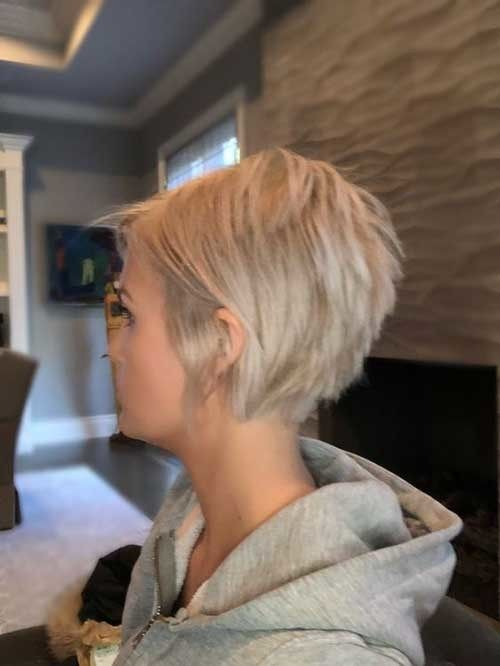 Charming Stacked Short Haircuts for Women