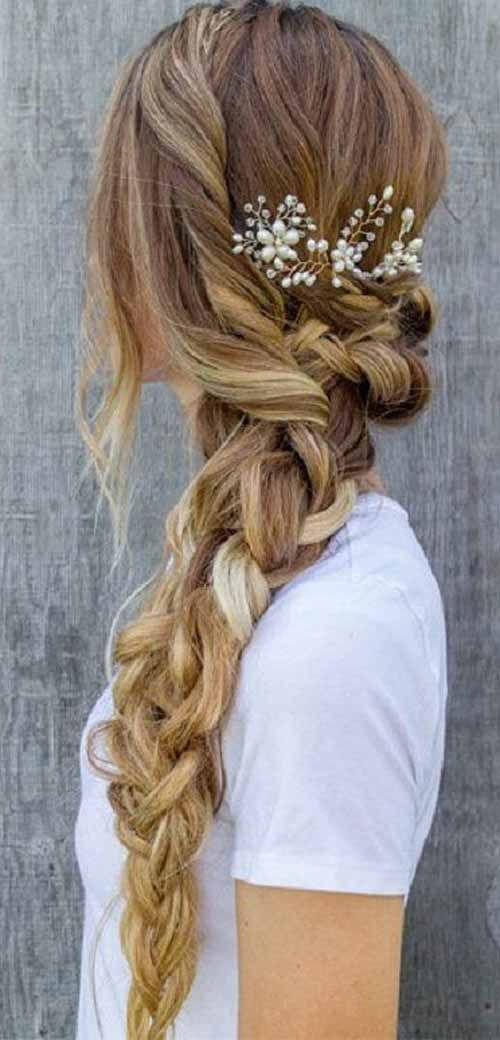 Eye-Catching Wedding Hairstyles With Veil For Brides