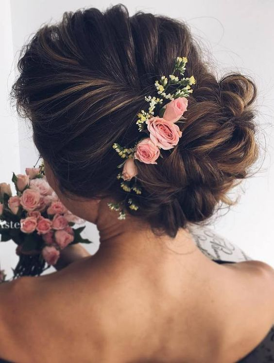 New Romantic Long Bridal Wedding Hairstyles to Try