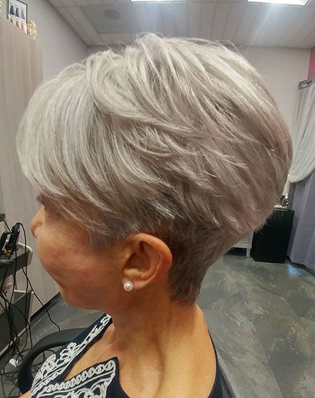 Outstanding Short Hairstyles for Older Women