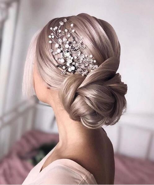 "20191110113411 ""width ="" 497 ""height ="" 597 ""veri-jpibfi-post-excerpt ="" ""veri-jpibfi-post-url ="" https://www.hairstylezonex.com/the-Trendy-popular-wedding-hairstyles -you-will-love / ""data-jpibfi-post-title ="" Seveceğiniz En Popüler Düğün Saç Stilleri ""data-jpibfi-src ="" https://www.hairstylezonex.com/wp-content/uploads/2019 /11/20191110113411.jpg ""/><figcaption id="