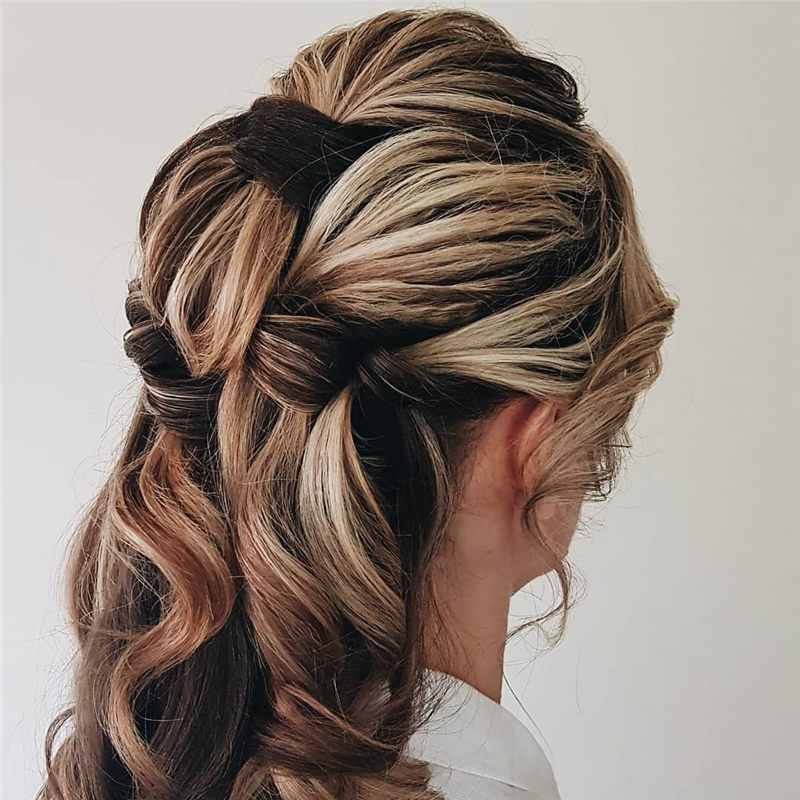 Amazing Wedding Hairstyles to Get A Fresh and Romantic Look-67