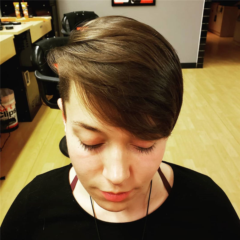 Cool Pixie Haircuts Not to Miss Out This Year-27