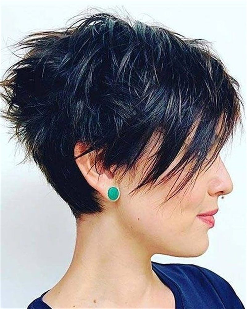 Cool Short Haircuts for Your New Look in 2020-40