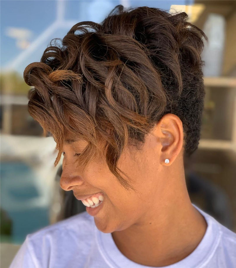 Gorgeous Short Haircuts to Light You Up in 2020-14