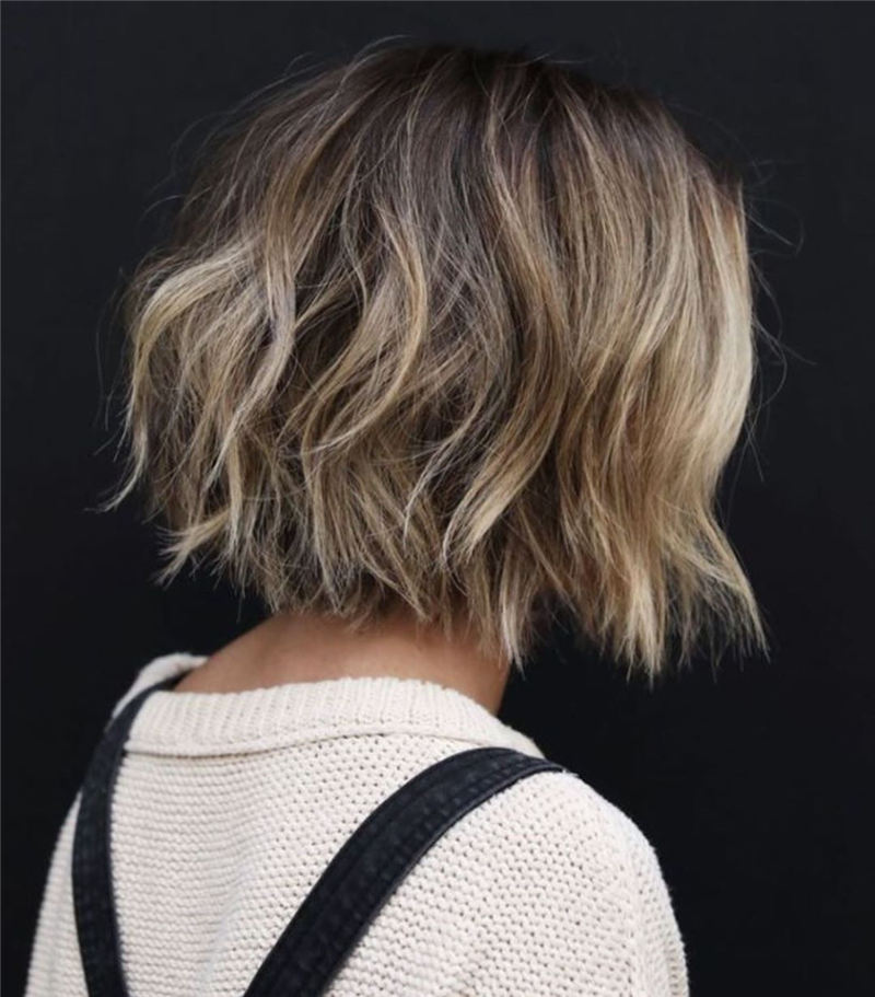 Gorgeous Short Haircuts to Light You Up in 2020-35