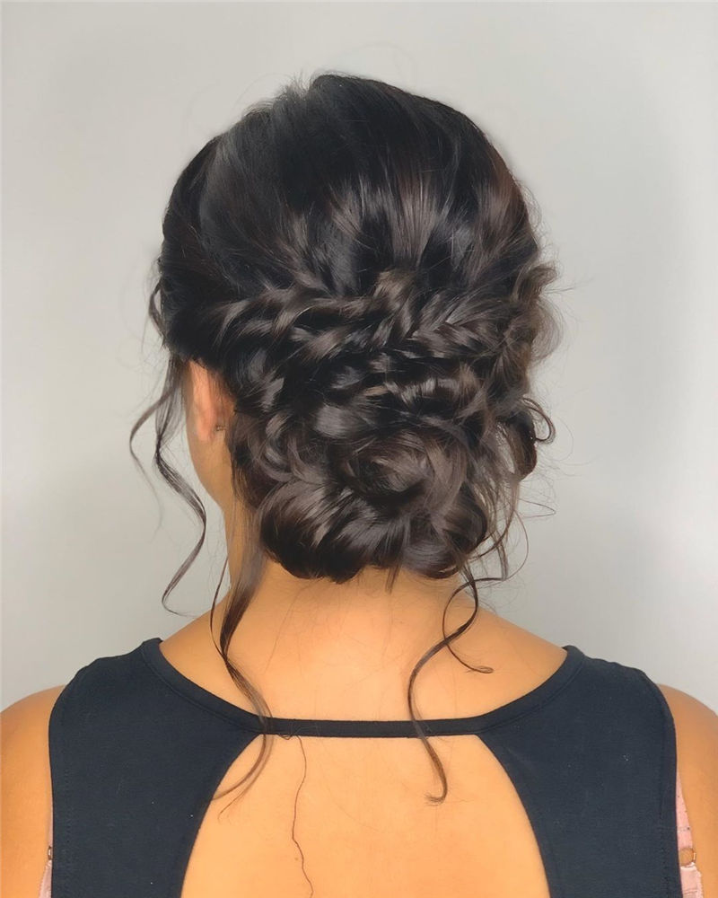 Lovely Wedding Hairstyles You'll Love for 2020-05