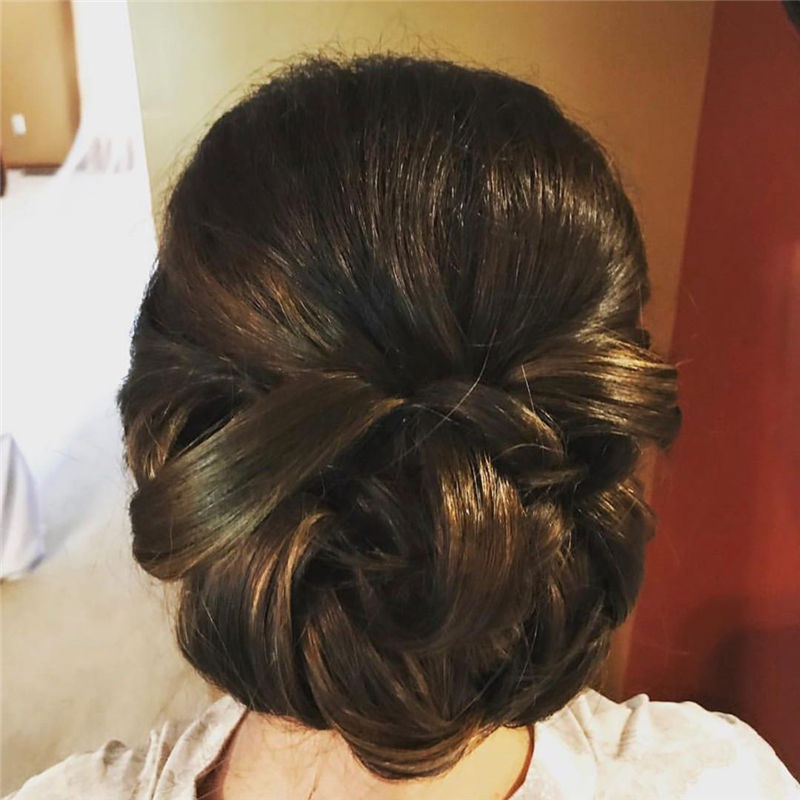 Lovely Wedding Hairstyles You'll Love for 2020-06