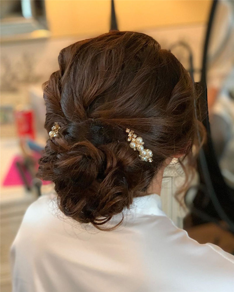 Lovely Wedding Hairstyles You'll Love for 2020-10