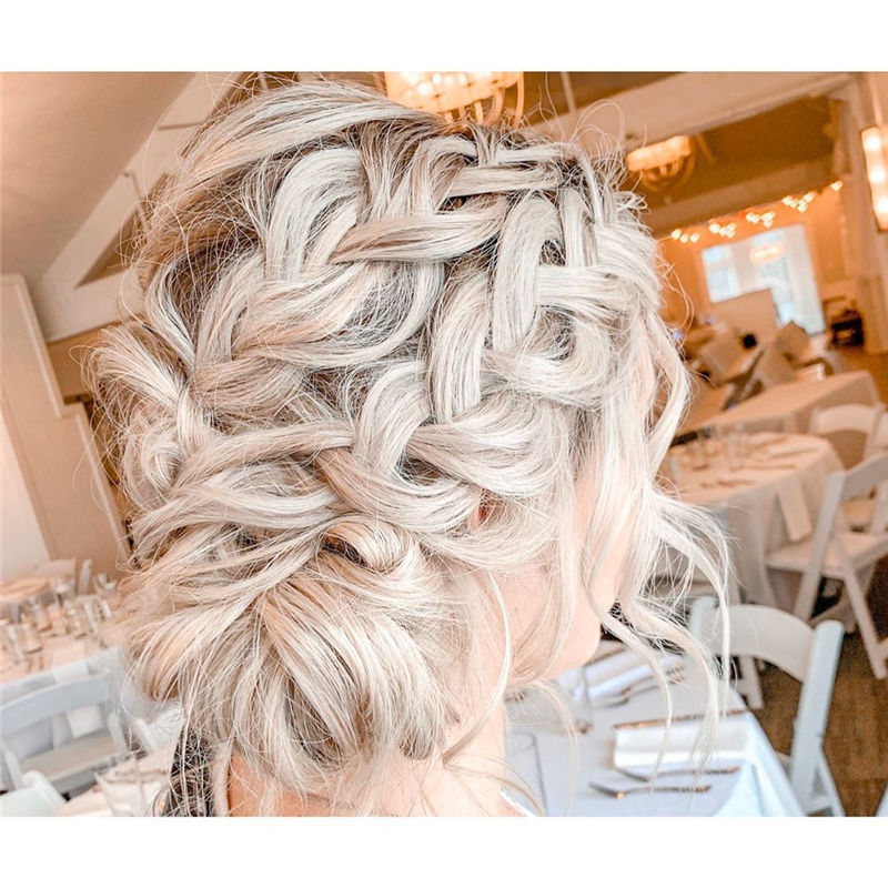 Lovely Wedding Hairstyles You'll Love for 2020-19