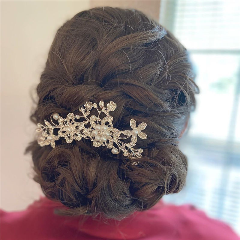 Lovely Wedding Hairstyles You'll Love for 2020-21