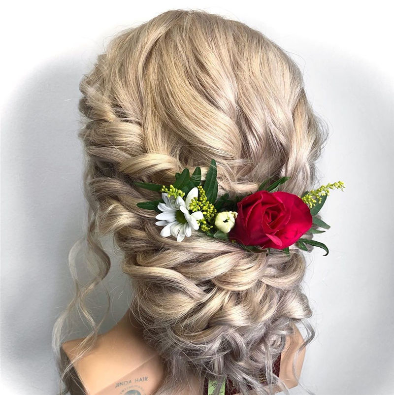 Lovely Wedding Hairstyles You'll Love for 2020-24