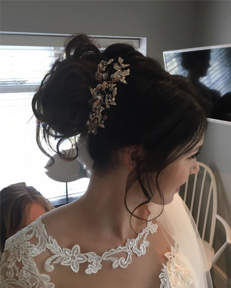 Lovely Wedding Hairstyles You'll Love for 2020-32