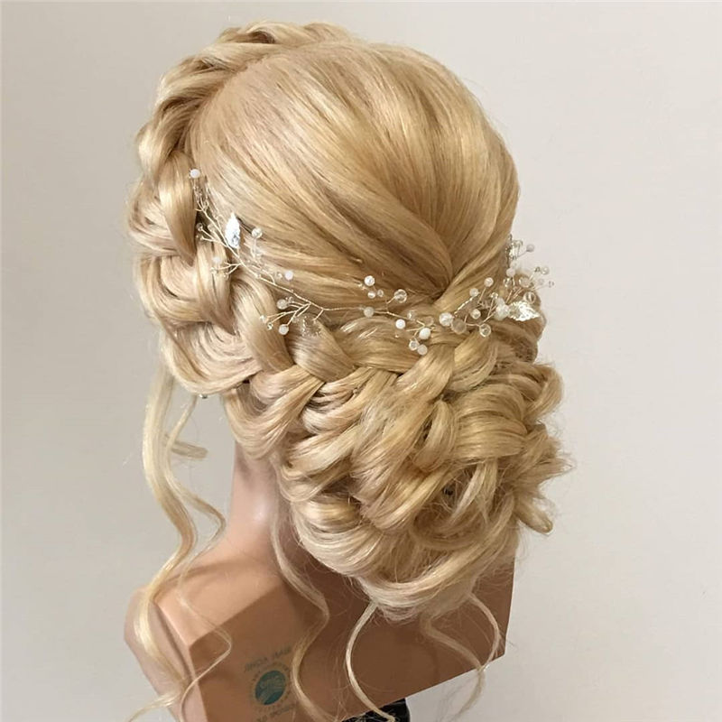Lovely Wedding Hairstyles You'll Love for 2020-33
