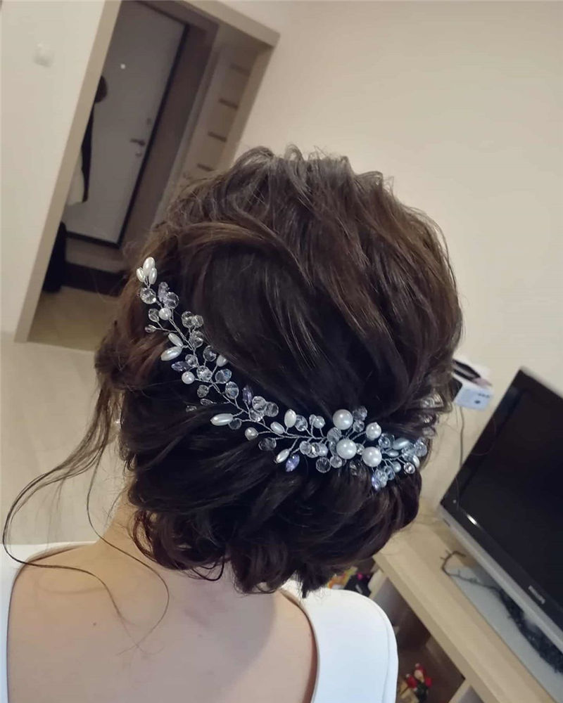 Lovely Wedding Hairstyles You'll Love for 2020-34