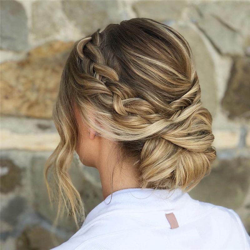 Lovely Wedding Hairstyles You'll Love for 2020-37