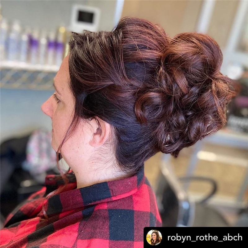Lovely Wedding Hairstyles You'll Love for 2020-39