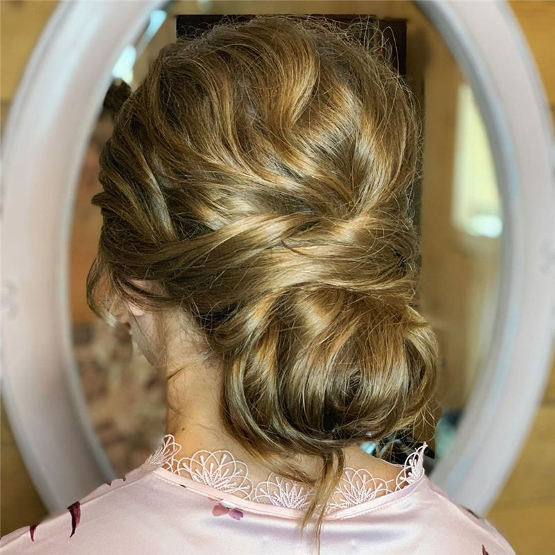 Lovely Wedding Hairstyles You'll Love for 2020-41